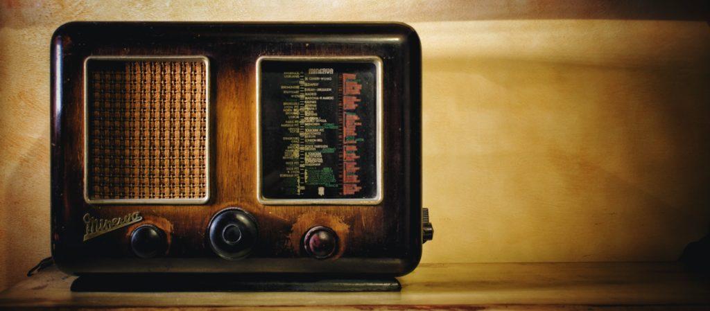 Pensez à utiliser le système émetteur et récepteur dans l'art afin de donner plus de sens à vos créations artistiques.